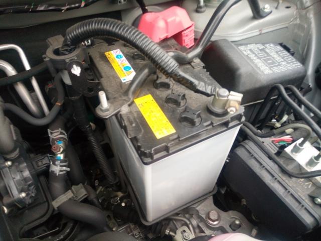 車のバッテリー交換はJAF(プラス保険会社)に頼むとお得