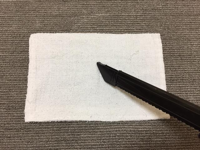 カーペットと雑巾と掃除機ノズル