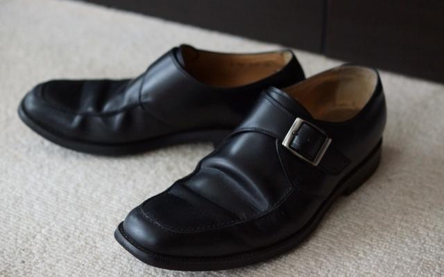 宿泊先で靴のイヤな臭いをカンタンに取る方法