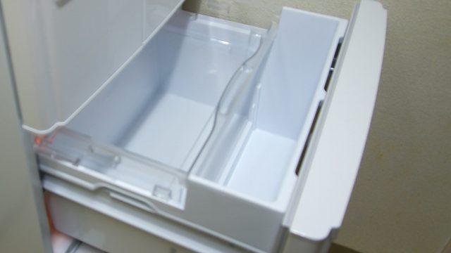 冷蔵庫の引き出しの中