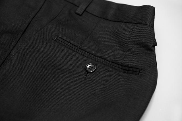 スーツのズボン