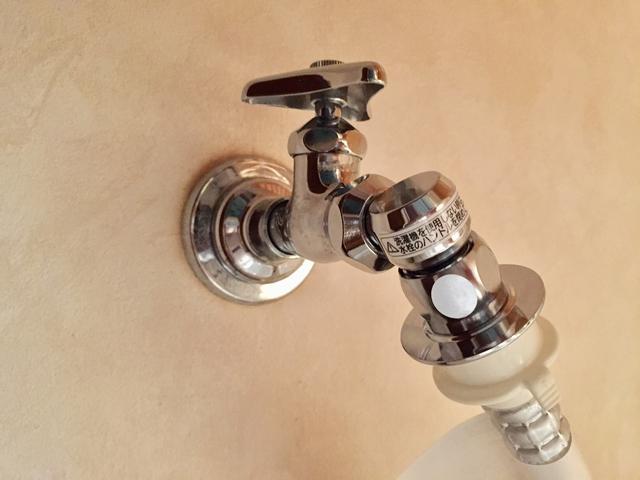 給水栓ジョイント(CB-J6)が付いた蛇口